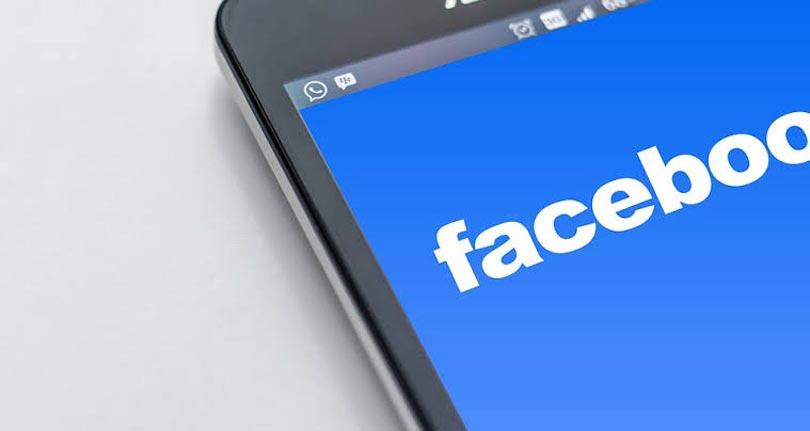 Emprego pelo Facebook