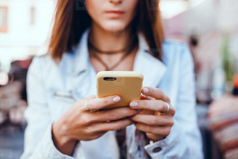 Como fazer currículo pelo celular e enviar por e-mail?